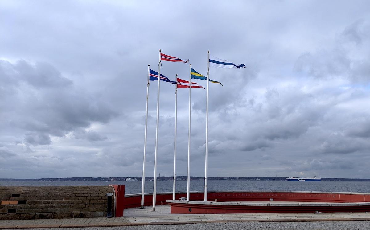nordiska vimplar i helsingborgs hamn